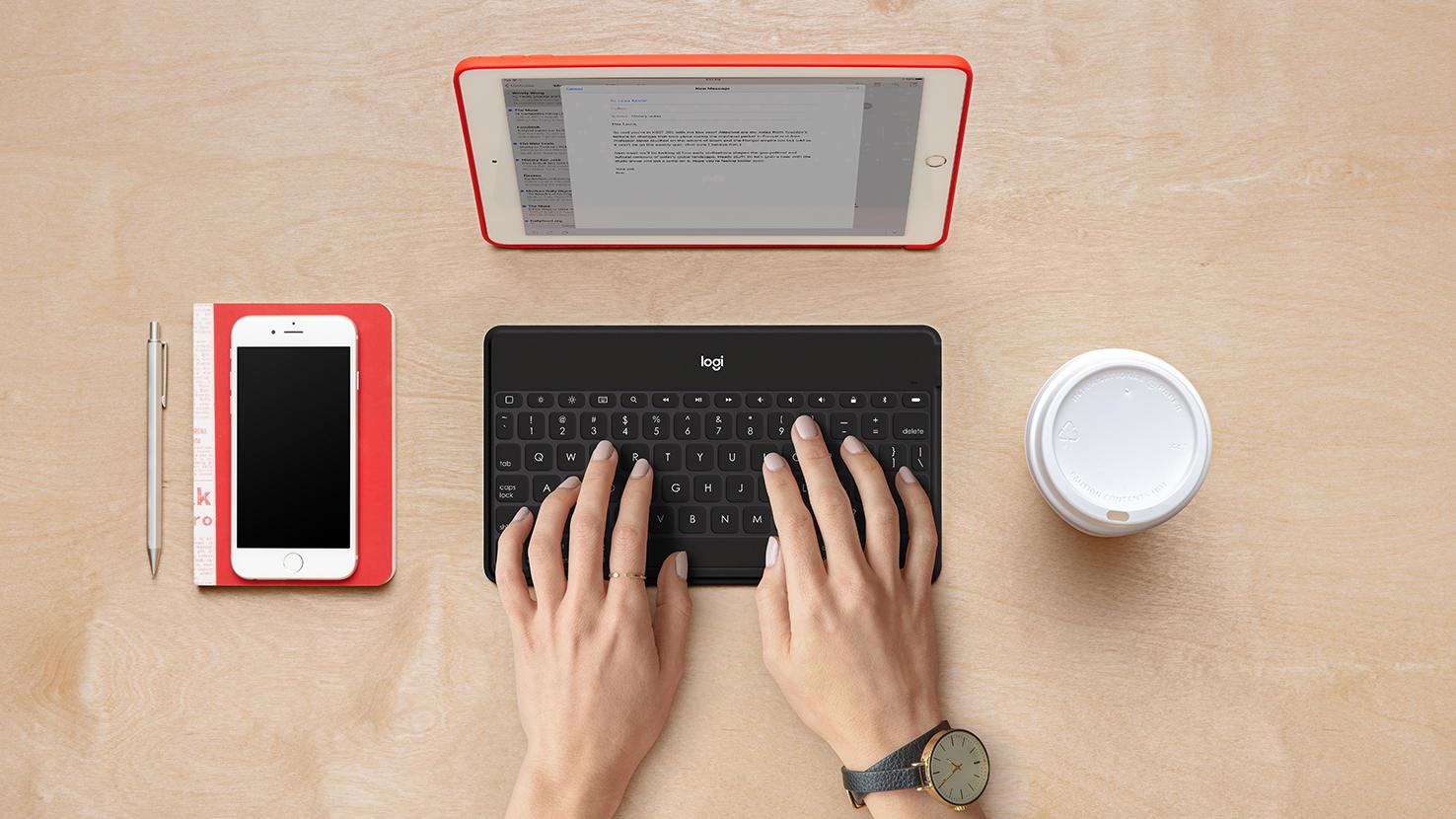 iPad with Logitech keys-to-go